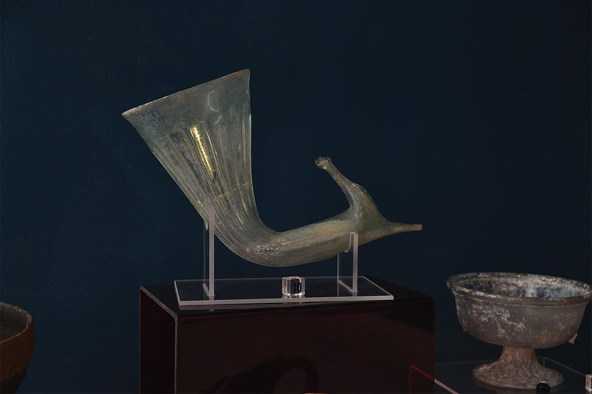 A rython exhibited at the Domvs Romana.