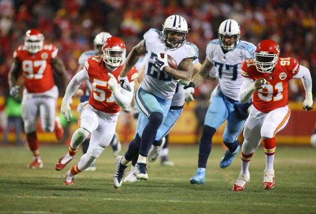 Tennessee Titans running back Derrick Henry (22) runs the ball against the Kansas  City a759a4bf7
