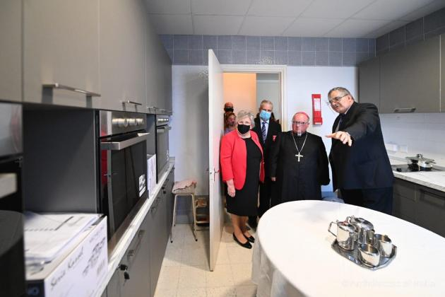 Archbishop inaugurates home for refugee single mothers