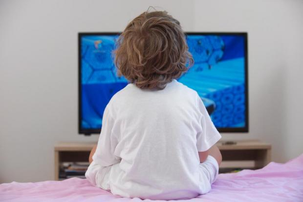should children watch a lot tv A recent study by new york university school of medicine researchers concluded that preschool children who frequently watch violent tv a lot of parents think.