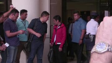 Philippines rearrests Duterte critic journalist Maria Ressa  | Journalist Maria Ressa posts bail after arrest.