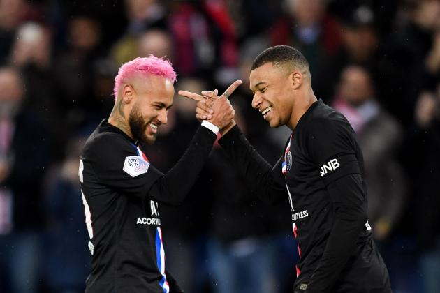 Pink-haired Neymar helps PSG to five-goal romp
