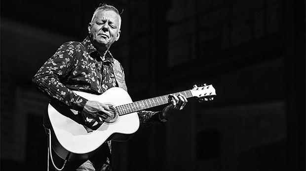 Tommy Emmanuel. Photos: Melvin Mifsud