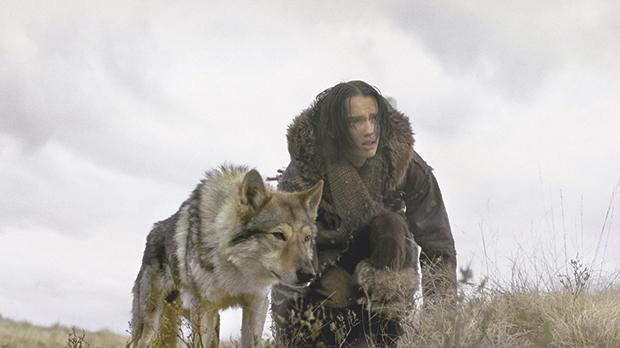 Kodi Smit-McPhee and his four-legged companion trek their way back home in Alpha.