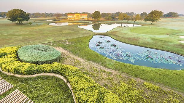 Luxury first class golf courses are scattered all over India. Photo: Shutterstock.com