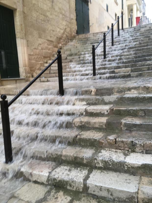 Valletta, Hugh Peralta