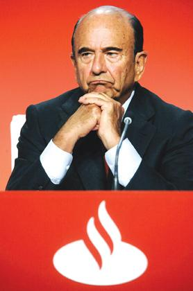 Emilio Botin is credited with turning a local Spanish lender into one of the world's biggest banks and helping to drive Spain's remarkable economic growth of the 1990s. Photo: Nacho Cubero/Reuters