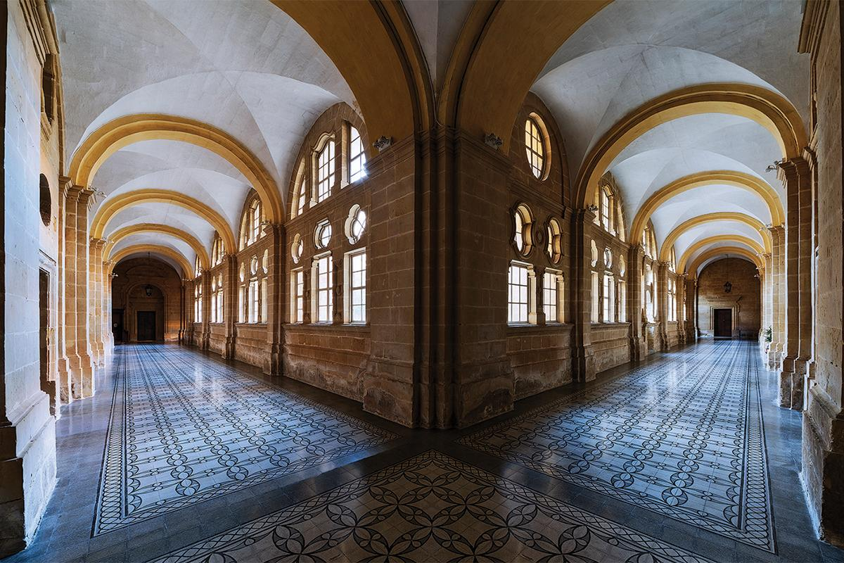 Views of the cloister's corridors.