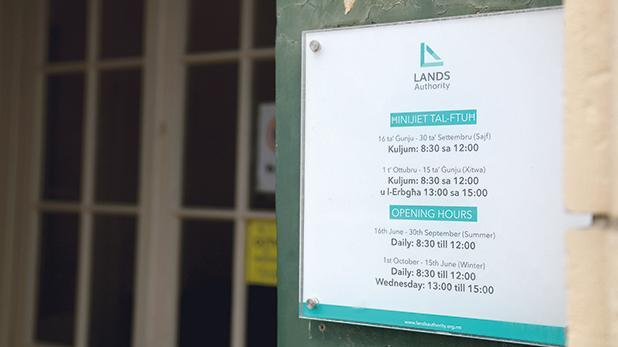 No detailed breakdown of the €1.2 million the Lands Authority spent on legal and professional fees was forthcoming, Opposition MP Ryan Callus said.