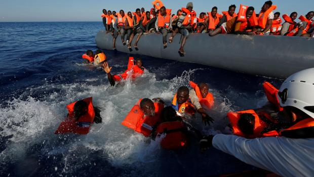 Italy plucks 2000 migrants from the Mediterranean Sea