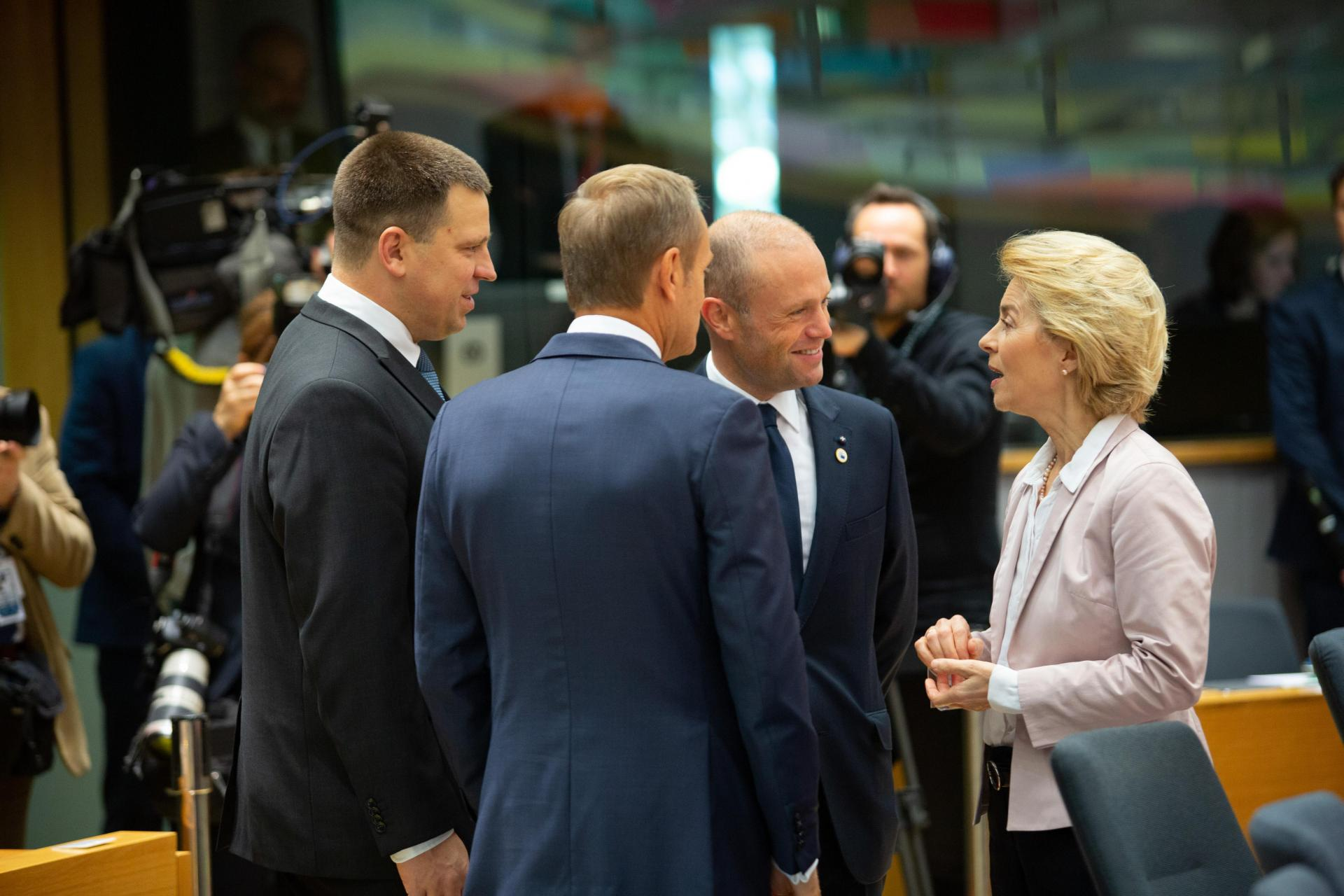 European Commission president Ursula von der Leyen talks with now-former EU Council president Donald Tusk, Joseph Muscat and Estonian Prime Minister Juri Ratas. Photo: AFP