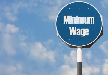 Minimum wage to go up €8 per week by 2019