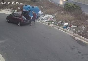 Fined more than €2,300 for dumping rubbish from his car