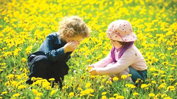 Studies have revealed various benefits that regular play in nature has for children.