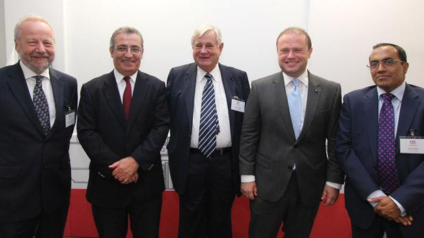 Anglia Ruskin University vice chancellor Michael Thorne, Education Minister Evarist Bartolo, London School of Commerce advisory committee chairman Lord John Tomlinson of Walsall, Prime Minister Joseph Muscat and LSC Group CEO Timothy Andradi.