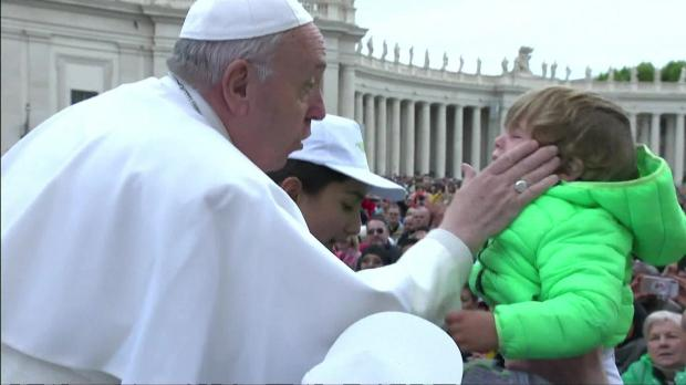 Children rescued from Libya hitch a lift with Pope Francis