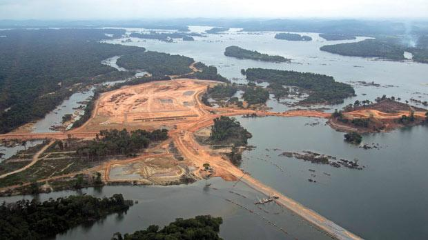 An aerial photograph showing the construction site of the Belo Monte hydroelectric dam at Pimental, near Altamira in Para State, in November 2012. Photo: Reuters/Rainforest Foundation Norway