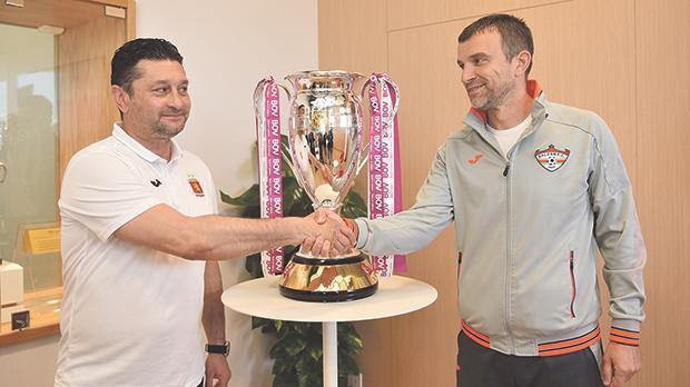 Balzan coach Marko Micovic (right) shakes hands with his Valletta counterpart Danilo Doncic. Photo: Mark Zammit Cordina