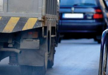 MEPs approve new CO2 emissions limits for trucks