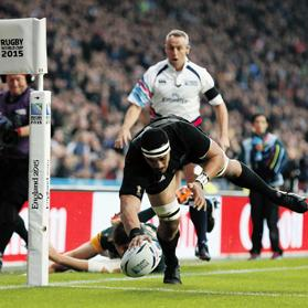 Jerome Kaino scores a try against South Africa.