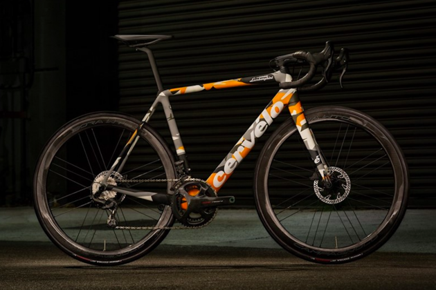 Automobili Lamborghini and Cervélo present the new R5 bicycle