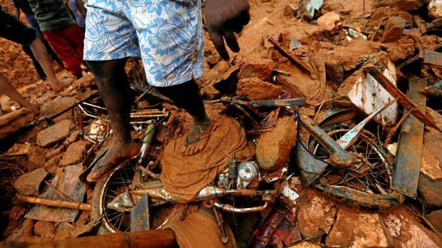 Mudslide, floods in Sri Lanka kill 25; 42 missing