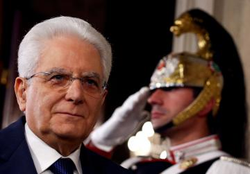 Italy's 5-Star, League seek president's backing on PM
