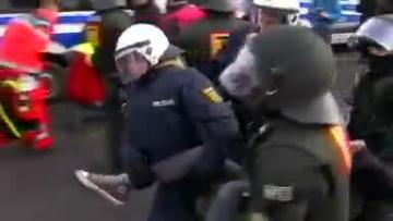 Protesters clash with German police before right-wing congress