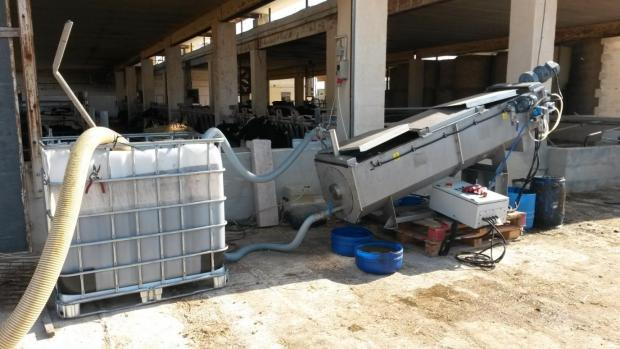 The set-up of the pilot screw-press installed and operated on a farm in Żurrieq.