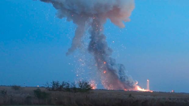 US supply rocket explodes shortly after blasting off