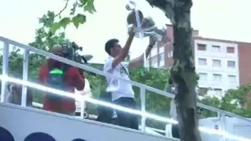 Ronaldo booed as Real Madrid players return with trophy