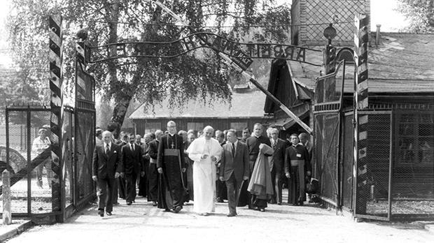 Pope John Paul II visiting Auschwitz in June 1979. Photo: Auschwitz Museum