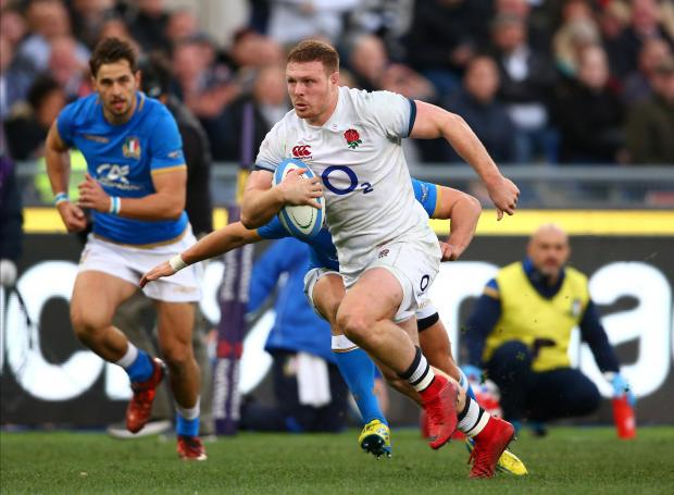 England's Sam Simmonds runs in to score their fourth try.