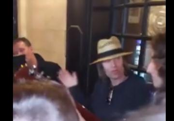 Liam Gallagher joins Maltese fans to sing Wonderwall