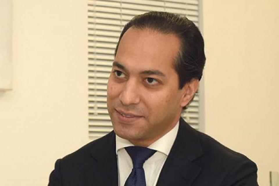 Ali Sadr Hasheminejad.