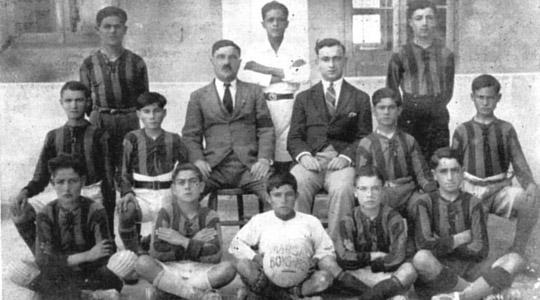 Marsa Primary School football team in 1927. Tony Nicholl is squatting second from the right.