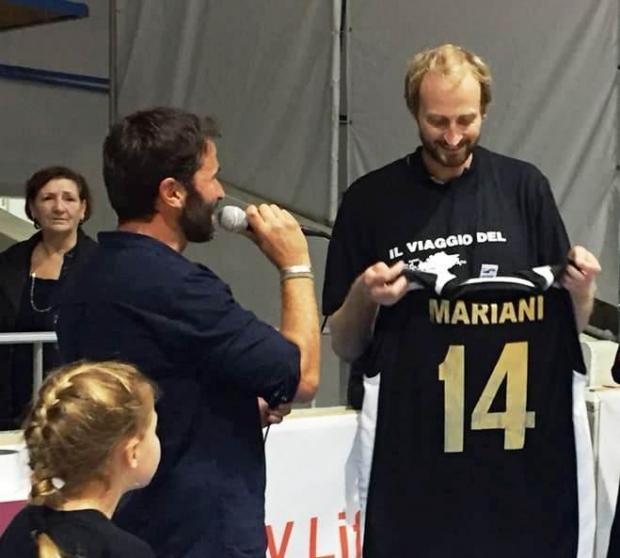 Fabrizio Mariani (right) receives a commemorative shirt at the Ta' Qali Pavilion/