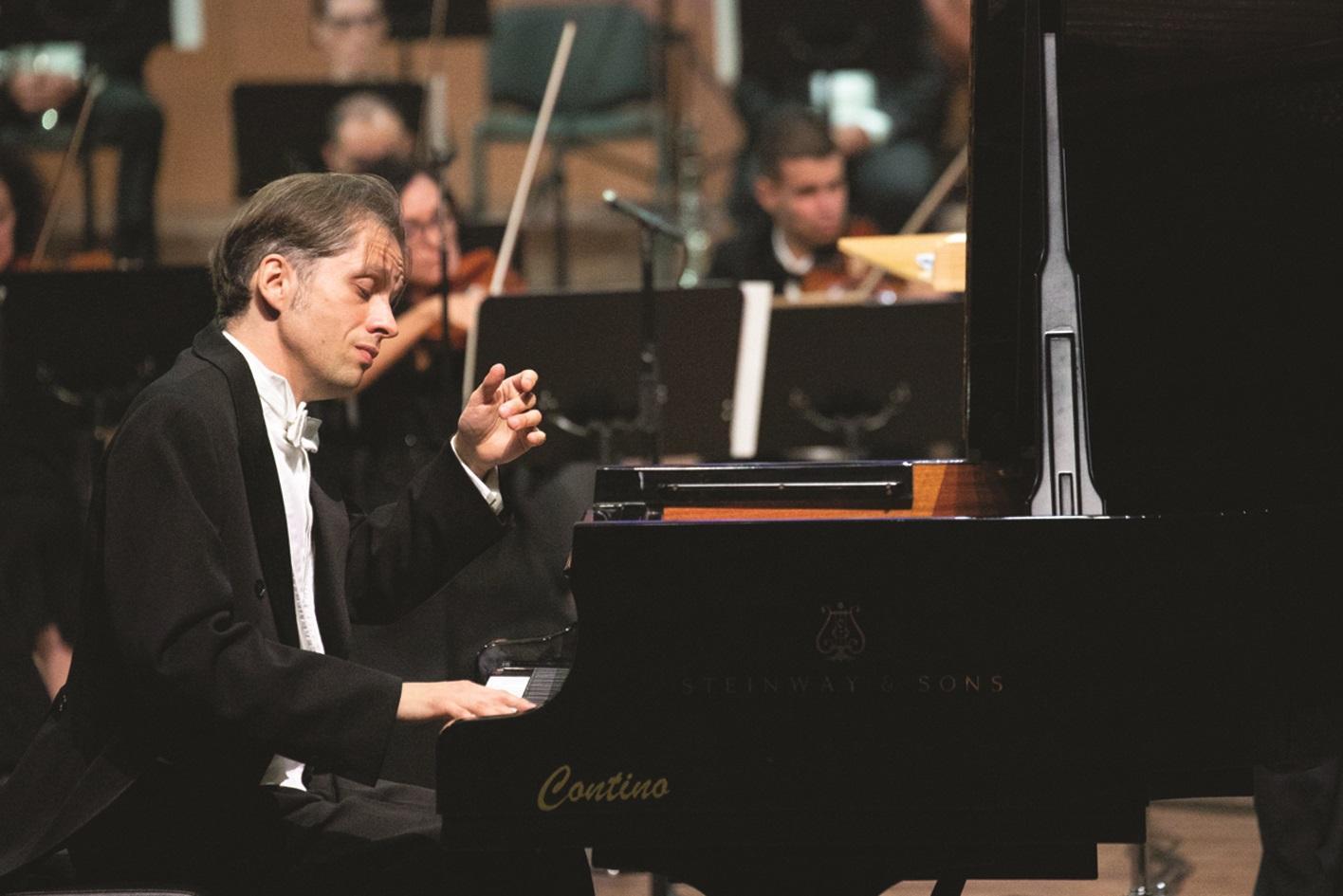 World-class pianist Severin von Eckardstein joined the orchestra. Photo: Evgeny Evtyukhov