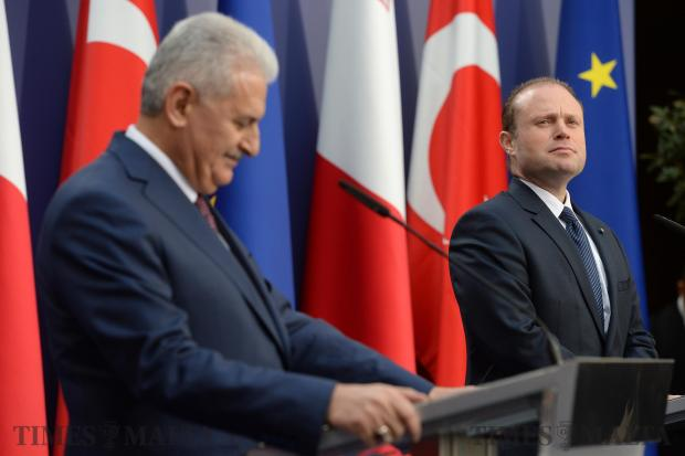 Prime Minister Joseph Muscat (right) and his Turkish counterpart, Prime Minister Binali Yildirim, hold a joint press conference at Castille on February 17. Photo: Matthew Mirabelli