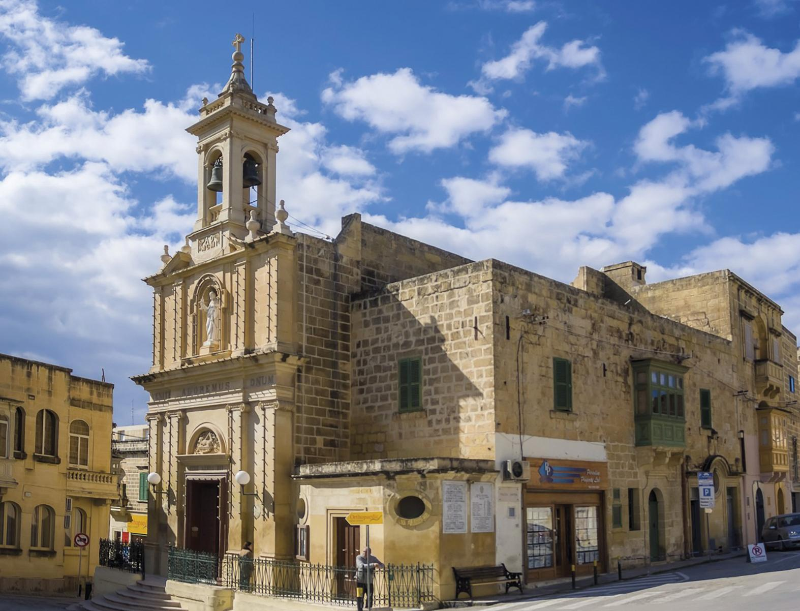 Ċensa spent many an hour in quiet devotion to the Holy Eucharist at the church of the Nativity of Our Lady, better known as Ta' Savina, in Victoria.