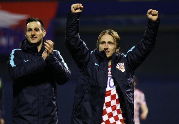 Nikola Kalinic (left) was sent home by the Croatian FA.
