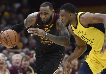 Watch: NBA roundup: LeBron sinks Pacers at buzzer