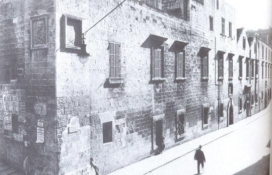 Excavations carried out by Enemalta in Strait Street, Valletta have unearthed a foundation wall that could possibly have formed part of the bakery of the Order of the knights of St John that was built along what is now Old Bakery Street corner with St John Street.