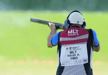 Galea in contention after opening day of trap