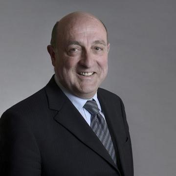 Dr George Hyzler