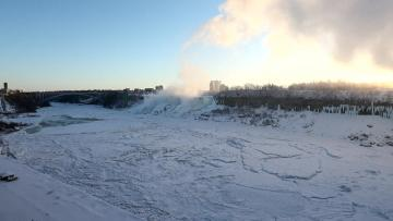 US Midwest gripped by bitter cold but relief ahead | Parts of Niagara Falls actually froze over.