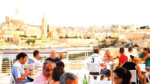 la cucina del sole the recently opened trattoria at tign point with views of valletta has added pizza to its selection of italian food thanks to the