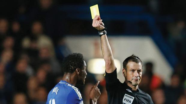 Chelsea have accused referee Mark Clattenburg of making inappropriate comments towards two of their players.