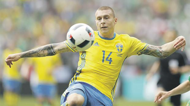Manchester United Reach Agreement With Benfica For Victor Lindelof