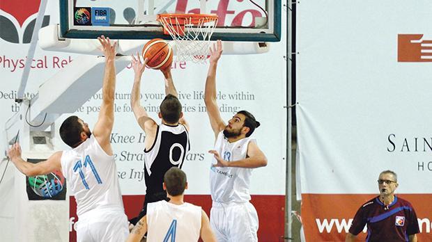 Action from the BOVKOsemi-final between Hibs and Starlites. Photo: Steve Zammit Lupi